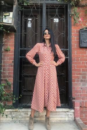 Pembeli Turunculu Geometrik Desen Uzun Elbise